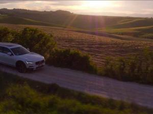 Volvo Commercial 4